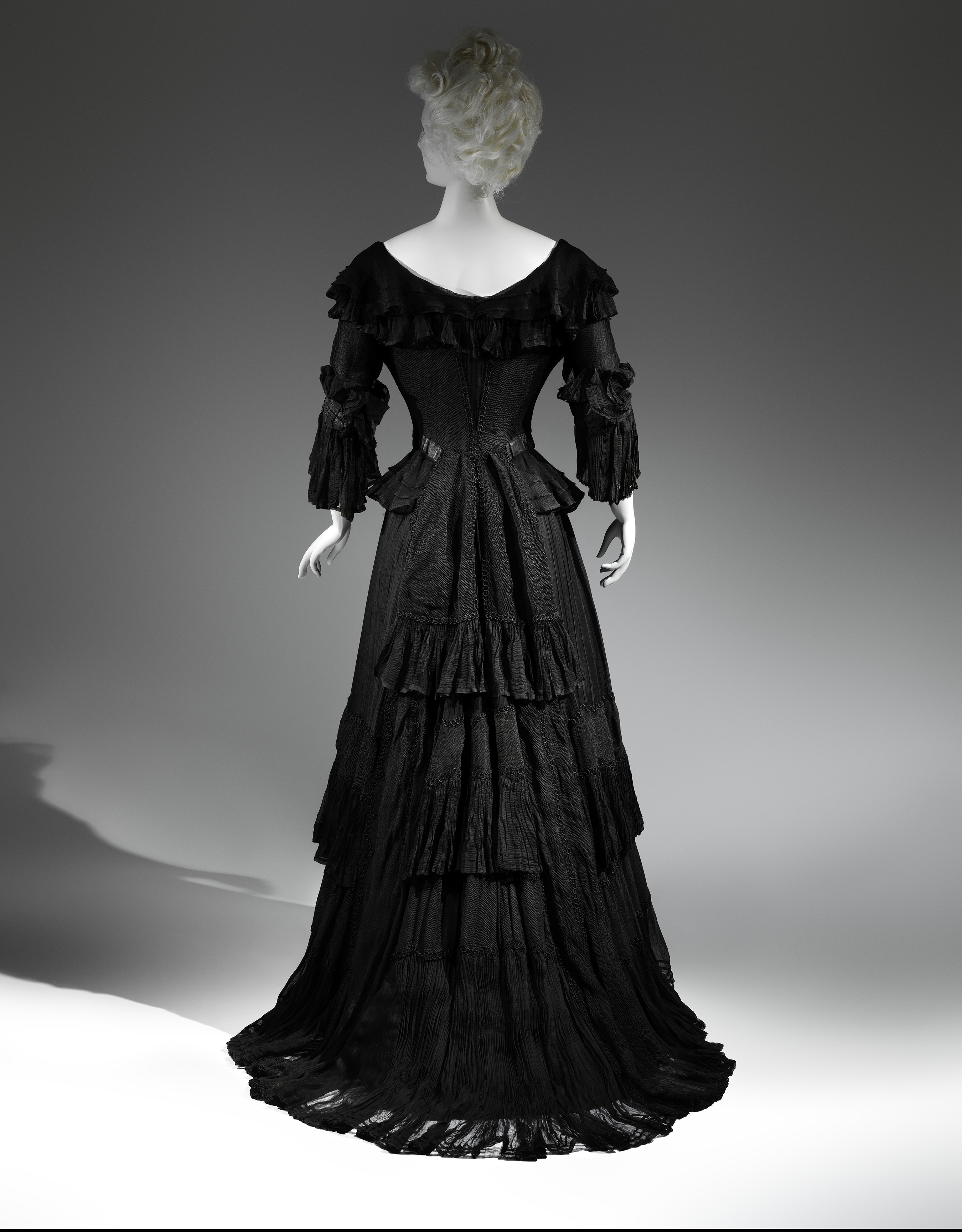 Mourning Dress, 1902-1904 Black silk crape, black chiffon, black taffeta